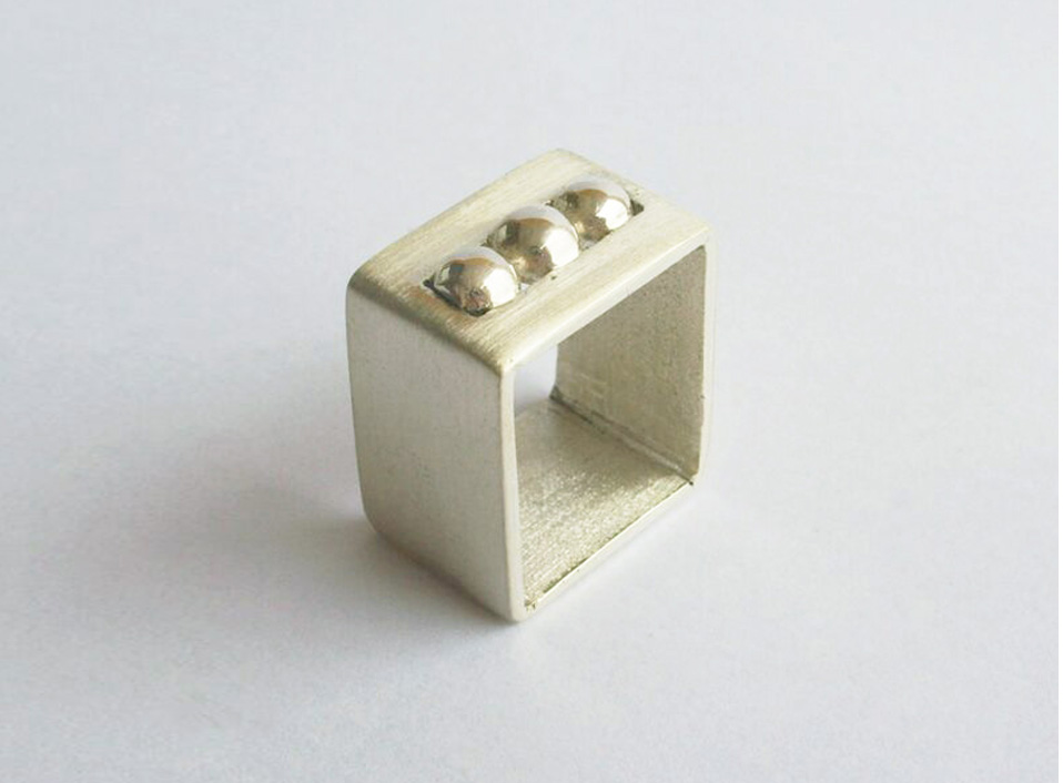 - 14 -Plata 950, con granalla de plata